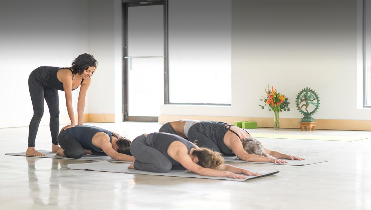 How to Run a Beginner Yoga Series